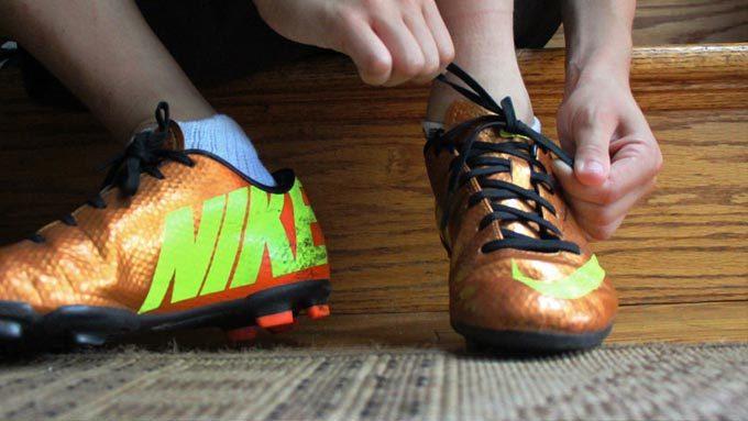 『結ばない靴ひも』イメージ01